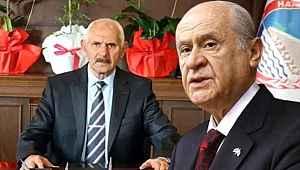 Bahçeli, 'parti ilkelerine aykırı davranan' belediye başkanının ipini çekti