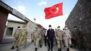 Bakan Akar ve TSK Komuta Kademesi'nin sınır bölgesindeki yoğun mesaisi