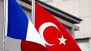Bakan Çavuşoğlu, Türkiye ile ilgili küstah sözler sarf eden Macron'a yanıt verdi