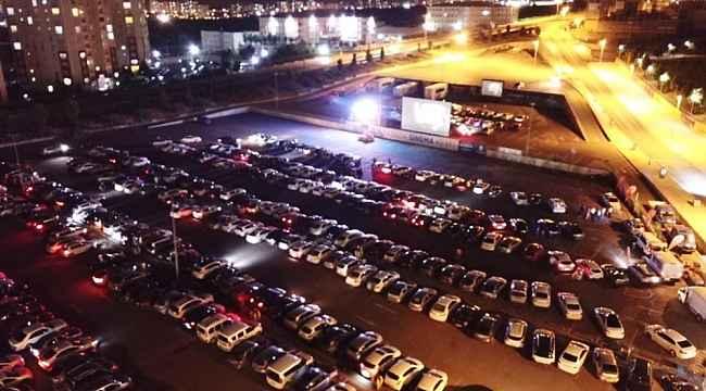 Başakşehir'de arabada sinema akşamlarına yoğun ilgi
