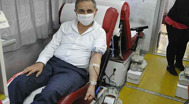 Başkan Çiftçi'den azalan kan stoğuna destek