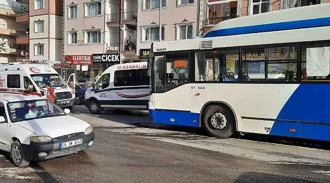 Başkent'te kamyon EGO otobüsüne çarptı