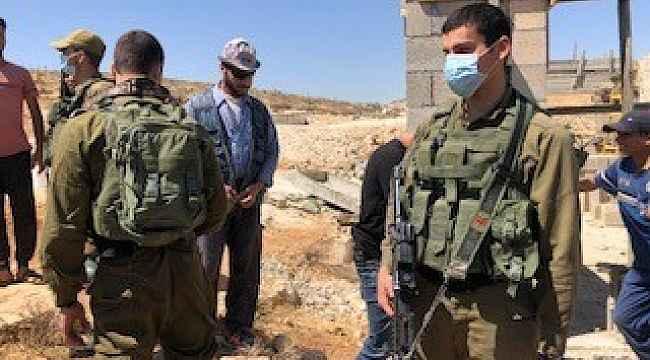 Batı Şeria'da Filistinlilerin inşaat halindeki evlerine İsrail polisinden müdahale