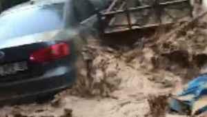 Bursa Orhangazi'de sel felaketindeki dehşet anları kamerada - Bursa Haberleri