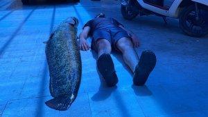 Bursa'da insan boyunda balık yakalandı - Bursa Haberleri