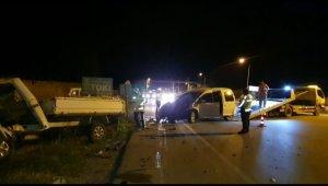 Bursa'da kamyonet ile otomobilin çarpıştığı trafik kazasında 2 kişi yaralandı - Bursa Haberleri