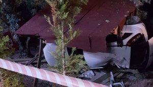 Bursa'da hobi bahçesine dalan aracın sürücüsü hayatını kaybetti - Bursa Haberleri