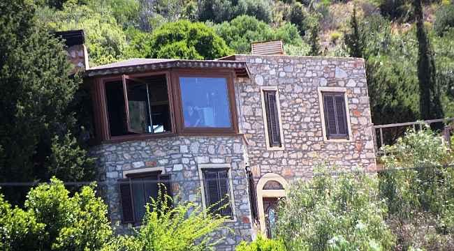 Can Dündar'ın milyon dolarlık villasının kaçak bölümlerine yıkım kararı çıktı