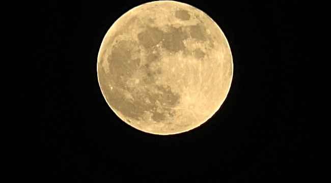 Çilek ay tutulması Mersin'den izlenebildi