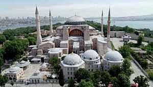 Davutoğlu'nun ekibinden Ayasofya için öneri