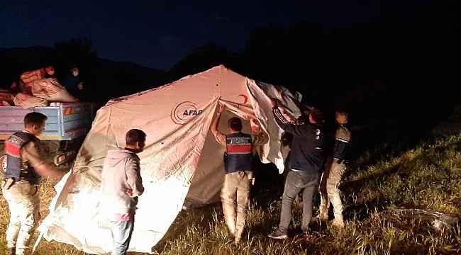 Depremzedeler için çadır kuruldu