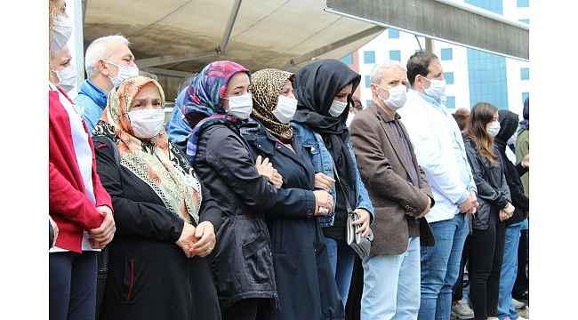 Dilek Hemşire için çalıştığı hastanede tören düzenlendi