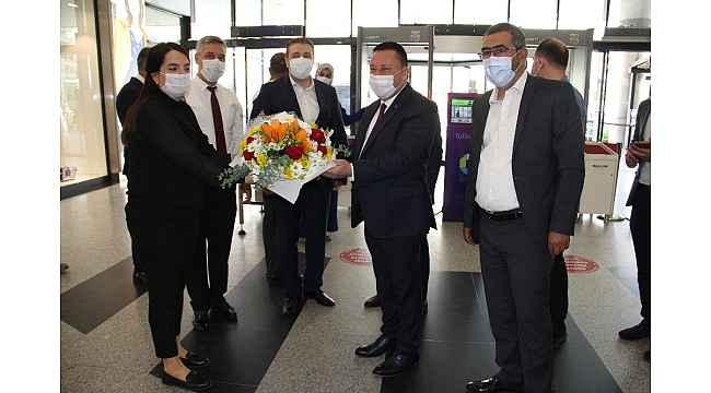 Diyarbakır'da AVM'ler de kapılarını ziyaretçilere açtı