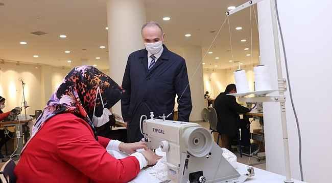 Düzce Belediyesi 800 bin maske üretti
