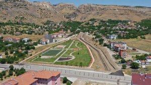 Elazığ'da çevre düzenlemesi ve park yapımı projesi başladı