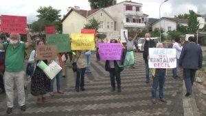 Elektrikli araçların açılışı için Büyükada'ya gelen İmamoğlu protesto edildi