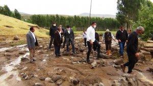 Erciş'te sel 74 koyunu telef etti