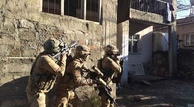 Etkisiz hale getirilen 2 PKK'lı teröriste yardım ve yataklık yapan şahıslar gözaltına alındı