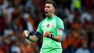 Fernando Muslera, 4 yıl daha Galatasaray forması giyebilir
