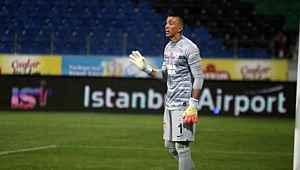 Galatasaray, yeni sezonun ilk yarısında Muslera'nın sözleşmesini donduracak