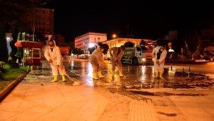 Gazi ve İnönü caddesi yıkanarak dezenfekte edildi