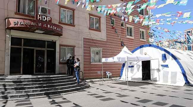 HDP önündeki ailelerin evlat nöbeti 278'inci gününde