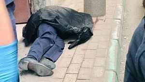 Husumetli akrabaların silahlı kavgasında yoldan geçen adam vuruldu - Bursa Haberleri