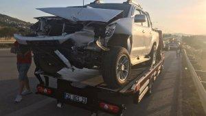 İzmir'de 5 aracın karıştığı zincirleme trafik kazasında: 4 yaralı