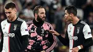 Juventus'lu Higuain'in antrenmandaki kilolu hali dikkatlerden kaçmadı