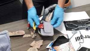 Kargoyla gönderilen spor ayakkabısı içinden uyuşturucu madde çıktı