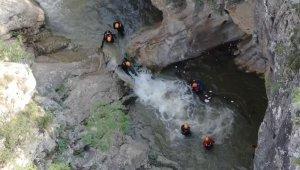 Kayıp Derya'yı aramak için adrenalin dolu anlar havadan görüntülendi - Bursa Haberleri