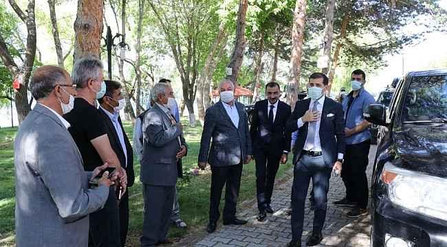 Kaymakam Erat, STK temsilcileri ve muhtarlarla bir araya geldi