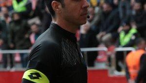 Kayserispor-Beşiktaş maçını Arda Kardeşler yönetecek