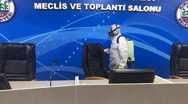 Kırıkkale Belediyesi toplantı salonunu dezenfekte etti