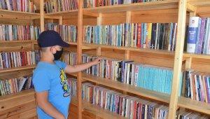 Kırıkkale'de parkta kitap keyfi