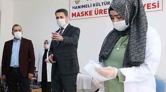 Mahalle konaklarında günlük 8 bin maske üretiyorlar