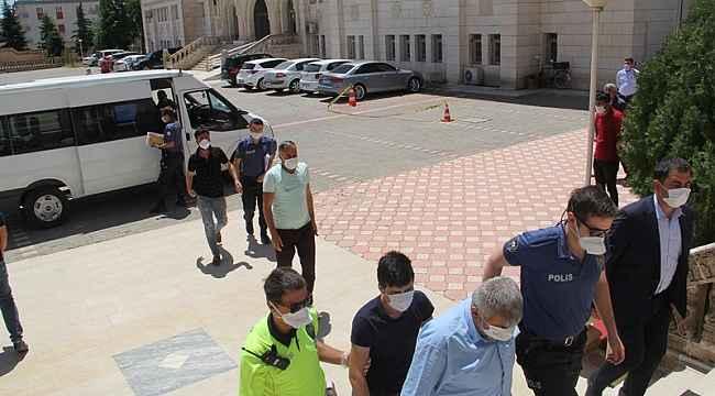Mardin'de kaçak parfüm satışı yapan iş yerine baskın: 6 gözaltı