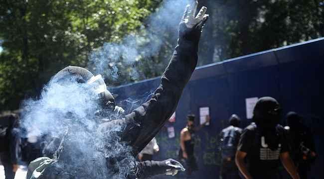 Meksika'da protestocular ABD büyükelçiliğine saldırdı