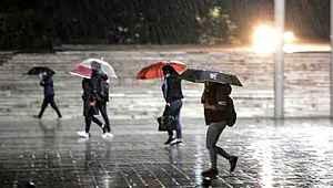 Meteorolojiden kuvvetli yağış uyarısı geldi