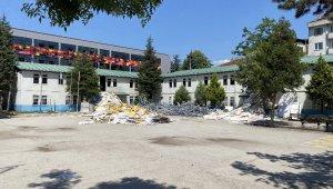 Namık Kemal İlkokulu yıkılıyor