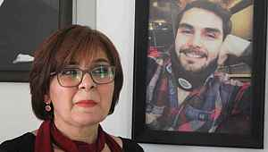 Öldürülen Survivor kameramanının annesi, oğlunun hatıralarıyla ayakta duruyor