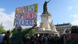 Paris'te ırkçılık karşıtı protesto