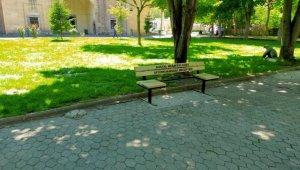 Parklara sosyal mesafe düzenlemesi