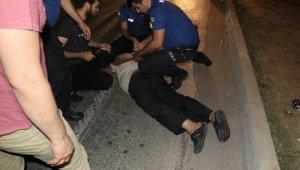 Polise çarpıp kaçan araçtan 38 kilo 200 gram esrar çıktı