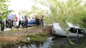 Polisten kaçtı, kanala uçtu