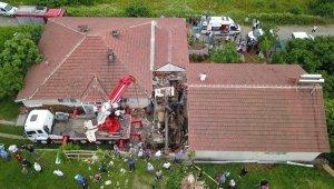 Sakarya'da freni boşalan kamyon eve girdi: 1 ölü, 2 yaralı