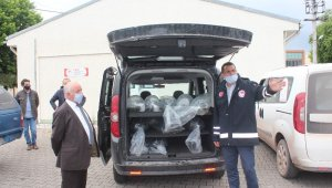Sakarya'daki 11 gölete toplam 70 bin adet yavru sazan balığı bırakıldı