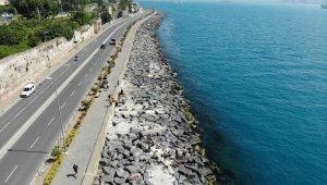 Sarayburnu'nda denize giren vatandaşlar havadan görüntülendi