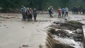 Sel felaketi İznik ilçesini de vurdu - Bursa Haberleri