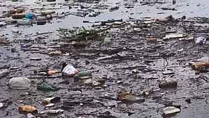 Sel suları sürükledi, İznik Gölü çöplüğe döndü - Bursa Haberleri